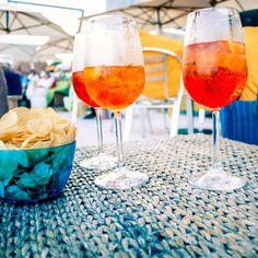 Suivez les conseils et le pas à pas de notre experte en cocktail pour réaliser un spritz maison comme en Italie !