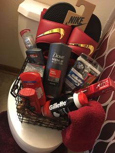 Men's spa basket. Shared by Career Path Design. #boyfriendgiftsideas
