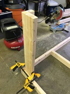 I built a mobile workbench - Imgur Garage Workbench Plans, Building A Workbench, Workbench Designs, Mobile Workbench, Woodworking Workbench, Workbench Ideas, Industrial Workbench, Workbench Organization, Workbench Top