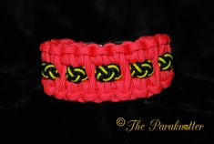 #Paraknotter #Handmade #paracord #paracord550 #Paracord100 #microcord #bracelet #beads Blaze Bar with Paracord Beads