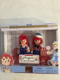 Raggedy Ann and Andy Mattel Barbie Collector Edition 1999 New in Box – Latch Hook İdeas. Barbie Collector, The Collector, Mattel Barbie, Barbie Box, Latch Hook Rug Kits, Raggedy Ann And Andy, Stocking Holders, Rug Hooking, Arts And Crafts