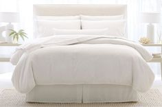 Personally, the bedding at the Hampton Inn is one of my favorites.  I love the feel of the duvet.  Now, every day can be a vacation because you can have the same bedding at home.  7 Steps To Easily Create That Plush Hotel Bed At Home   Please SHARE with your friends and family.  #U…