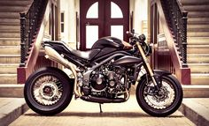 However, the Speed Triple is destined to become a modern classic, and sometimes you can achieve a lot just by making the right tasteful mods, and this is what Vince Power from Nantes has achieved with his pride and joy.