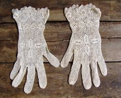 Vintage Ivory Lace Crocheted Gloves