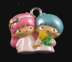 2 little twin STAR BOY and GIRL holding mains rose breloques bleu boucles d'oreilles argentées sur Etsy, $4.25