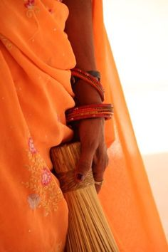 Jaipur, Rajasthan, India (by Ana Pires) I love orange!