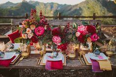 Inspiracion boho gipsy para decoracion de bodas | Campestre decoración de boda en color marsala y dorado para la mesa