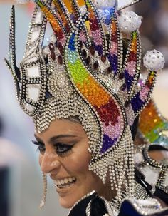 - An adventurer in spirit and in actions - Rio Brazil Carnival Rio Brazil, Brazil Carnival, Boris Vallejo, Dark Fantasy Art, Royal Ballet, Carnival Costumes, Dance Costumes, Body Painting, Carnival Headdress