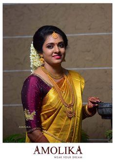 Silk Saree Blouse Designs, Bridal Blouse Designs, Indian Silk Sarees, Elegant Saree, Sexy Blouse, South Indian Bride, Indian Designer Wear, Beautiful Saree, Golden Saree