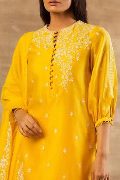 Neck Designs For Suits, Dress Neck Designs, Stylish Dress Designs, Sleeve Designs, Salwar Kameez Neck Designs, Kurta Neck Design, Simple Kurta Designs, Kurta Designs Women, Floral Skirt Outfits