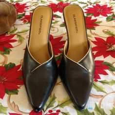 Black heels size 7.5. Very good condition, Very nice black heels. Scuffing on back of one heel. classified Shoes Heels