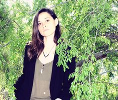 Young Guns: Warpaint's Theresa Wayman Turns Down, Grunges Up. Warpaint guitarist dissects her signature style.