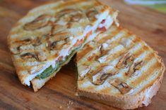 Le grilled-cheese tomates et épinards frais et inclusion de champignons (si, si !)
