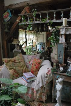 . In the recent time, garden stores have made it very easy for people to elevate, enhance and boost up the garden decor with many choices of the home and garden decor products for lifestyle and living. For the garden decor, today, people have many elements of garden Decor... #Boost_up_Garden_Decor #Garden_Decor_Ideas #Garden_Decor_Elements #Garden