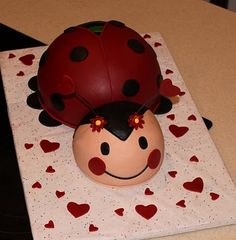 Ladybug Cake Ideas | and some lady bug cookies on the side for kythera