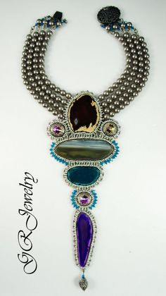 Sliced agate statement necklace di GuzialiaReedJewelry su Etsy