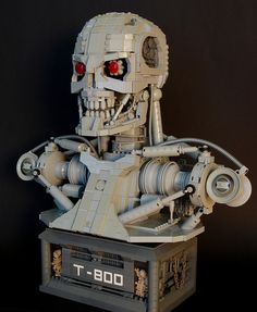 Amazing LEGO T-800 Terminator Endoskeleton Bust   YouBentMyWookie Lego Terminator, Lego Bots, Amazing Lego Creations, Minecraft Creations, Lego Sculptures, Lego Pictures, Lego Mechs, Lego Bionicle, Lego Craft