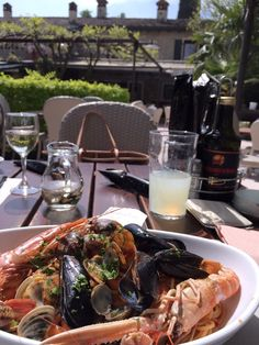 Spagetti frutti di mare #italy #foodporn #delicious #food #spagetti #lover Delicious Food, Alcoholic Drinks, Food Porn, Italy, Italia, Yummy Food, Liquor Drinks, Alcoholic Beverages, Liquor