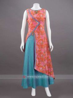 Offers you to attract compliments by draping this flower print double layered long Kurti made from Art Silk fabric in Multicolor. It has fancy brooch at yoke and waist to add a smart look. Salwar Designs, Kurta Designs Women, Kurti Neck Designs, Dress Neck Designs, Kurti Designs Party Wear, Blouse Designs, Salwar Pattern, Kurta Patterns, Dress Patterns