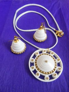 White Quilled Set with Gold Beads