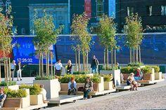 portable street furniture in Vabaduse väljak, Tallinn, Estonia Urban Furniture, Street Furniture, Urban Architecture, Amazing Architecture, Urban Landscape, Landscape Design, Poket Park, Tree Grate, Urban Intervention