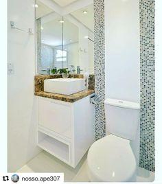 Que maravilhosa essa ideia das pastilhas assim do lado, nunca tinha pensado e adorei!  #Repost @nosso.ape307 with @repostapp ・・・ Fora minha paixão por cozinha sou também apaixonada por banheiro. Inspiração do fim de semana.  Nessa inspiração faria apenas 2 modificações. O mármore até acima da bacia. E 3 prateleiras de vidro.  já sonhando com meu banheirinho.  #Inspiracao #Pinterest #Banheiro #DesignDeInterioresRecife #decoracaoApPequeno #decoracao #decoracaorecife #MRV #apartamentom...