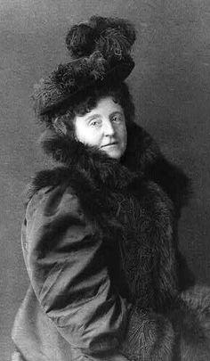 ✿⁀° Frances Hodgson Burnett, author of The Secret Garden