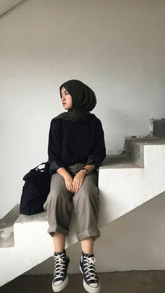 Modern Hijab Fashion, Street Hijab Fashion, Hijab Fashion Inspiration, Muslim Fashion, Ootd Fashion, Fashion Outfits, Modest Fashion, Casual Hijab Outfit, Cute Casual Outfits