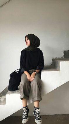 Modern Hijab Fashion, Street Hijab Fashion, Hijab Fashion Inspiration, Muslim Fashion, Ootd Fashion, Fashion Outfits, Modest Fashion, Casual Hijab Outfit, Cute Casual Outfits