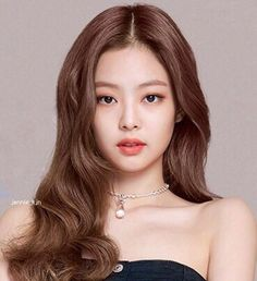 Black Pink Jennie Hairstyle - Black Pink Jennie Hairstyle When Andree Johnson hit mile 22 of the 2019 New York City Chase in November, she aback sprouted Blackpink Jennie, Kpop Girl Groups, Kpop Girls, Blackpink Photos, Blackpink Jisoo, Photo Instagram, K Pop, Korean Girl, Asian Beauty