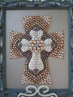 Mothers Day Sale-Decorative Pearl Cross por MissigirlDesigns