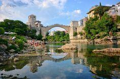 Mostar i tamtejszy Stari Most nad Naretwą, Bośnia i Hercegowina
