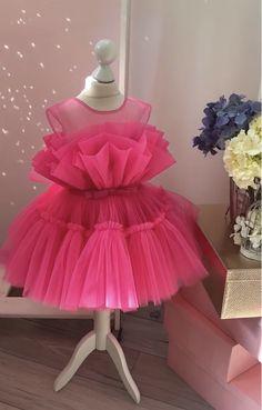 Baby Girl Birthday Dress, First Birthday Dresses, African Dresses For Kids, Dresses Kids Girl, Baby Dresses, Dress Girl, Kids Dress Wear, Kids Gown, Baby Dress Design