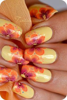 Nail art One Stroke fluo « Un rayon des iles Beautiful Nail Designs, Cute Nail Designs, Fancy Nails, Pretty Nails, One Stroke, Nails First, Floral Nail Art, Fall Nail Art, Stylish Nails