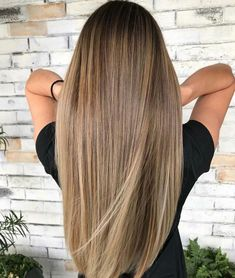 70 The Best Modern Haircuts & Hair Colors For Women Over 30 .- 70 The Best Modern Haircuts & Hair Colors For Women Over 30 Brown Blonde Hair, Light Brown Hair, Light Hair, Dark Hair, Blonde Ombre, Brunette Hair, Ombre Hair Color, Hair Color Balayage, Brown Hair Colors