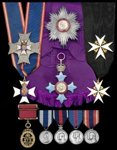 G.B.E. (Civil) Knight Grand Cross, 1st type set of insignia, sash badge and breast star, Garrard. awarded to Honorary Colonel Sir James Gildea.