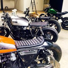 Choices. Which one would you choose? Photo by @jsabster at the @kedlen_showroom.          #croig #caferacer #caferacersofinstagram