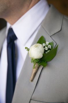 sweet and simple #boutonniere @weddingchicks