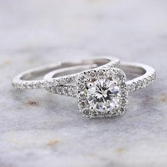 14K White Gold 0.67ct G VVS1 Round Diamond and Cushion Halo Bridal Set