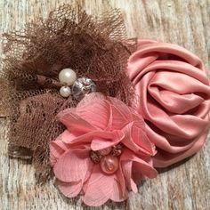 Show-Stopper!  Beautiful Mauve, Pale Pink, Light Brown Flower Combination Headband $10