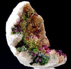Roselite + Cobaltaustinite