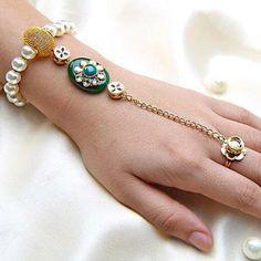HappyShappy - India's Own Social Commerce Platform Jewelry Patterns, Bracelet Patterns, Handmade Rakhi Designs, Handmade Ideas, Rakhi Bracelet, Beaded Earrings, Beaded Bracelets, Beaded Jewelry, Jewelry Crafts