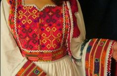 Wardak embroidery on traditional Afghan dress.