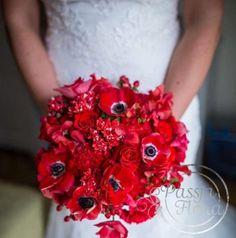 bukiet ślubny z czerwonych kwiatów Blog, Blogging