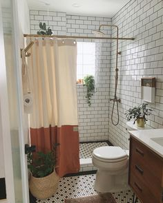Boho Bathroom, Bathroom Goals, Master Bathroom, White Bathroom, Modern Bathroom, Shiplap Bathroom, Small Bathroom Ideas, Small Bathroom Inspiration, Bathroom Plants