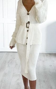 knit dress Knited Dress in Cream White. Elegant and stylish v-neck two piece knitted dress. perfect for any occasion. Casual Work Dresses, Nice Dresses, Dresses For Work, White Dress Winter, Winter Dress Outfits, Two Piece Dress, The Dress, Mode Lolita, Beautiful Summer Dresses