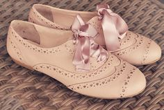 Heart cut-out oxfords