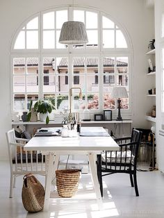 my scandinavian home: Step inside the charming home of a Swede living in Italy Home Office Table, Home Office Design, House Design, Home Living, Living Spaces, Work Spaces, Small Living, Living In Italy, Scandinavian Home