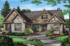 This craftsman design floor plan is 2291 sq ft and has 3 bedrooms and has 2 bathrooms. Rustic Houses Exterior, Rustic Lake Houses, Rustic House Plans, Cabin House Plans, Craftsman Exterior, House Plans One Story, Rustic Cottage, Dream House Exterior, New House Plans
