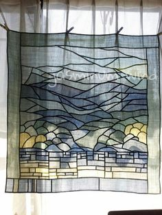 ooh, curved line is pojagi! Korean Traditional, Traditional Art, Window Coverings, Window Treatments, Quilted Curtains, Textiles, Korean Art, Fabric Art, Textile Art